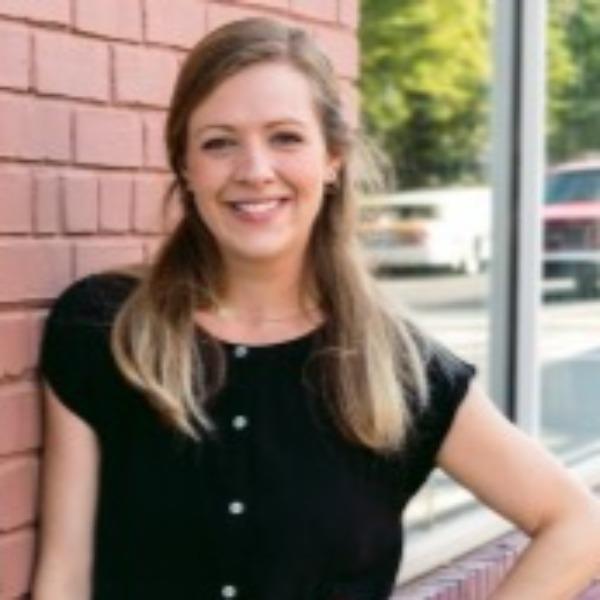 Photo of Julia Pelly